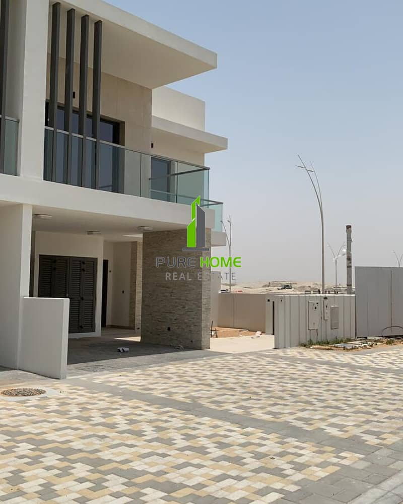 Avaialable for Rent this Elegant 3 Bedrooms Villa in Yas Acres