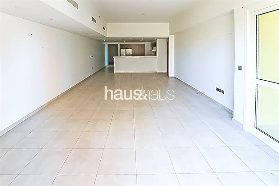 August | High Floor | Large Terrace | Sea Views