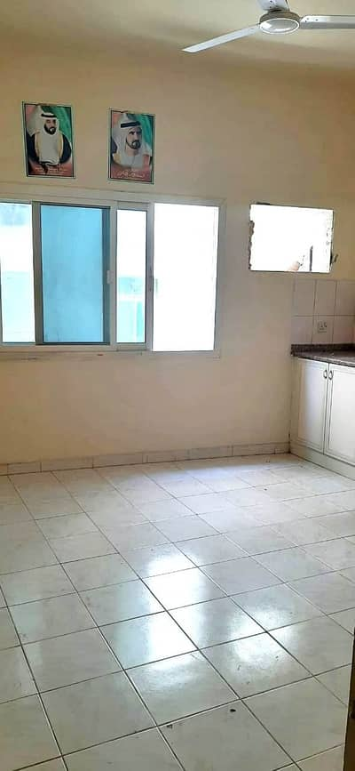 STUDIO FLAT AVAILABLE FOR RENT