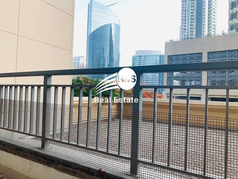 12 Beautiful  Studio Walking Distance To Dubai Mall