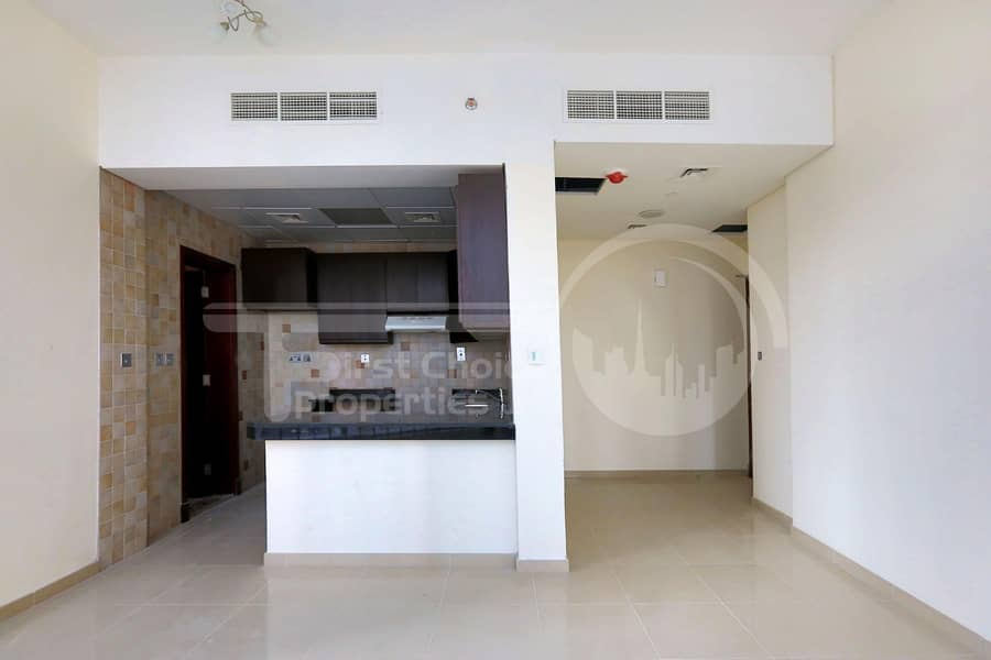 2 Hot Offer! 4 Cheques! Bright Studio Aparment