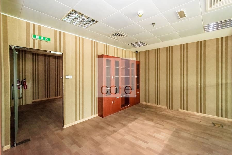10 Fitted Office | Next to Airport Road