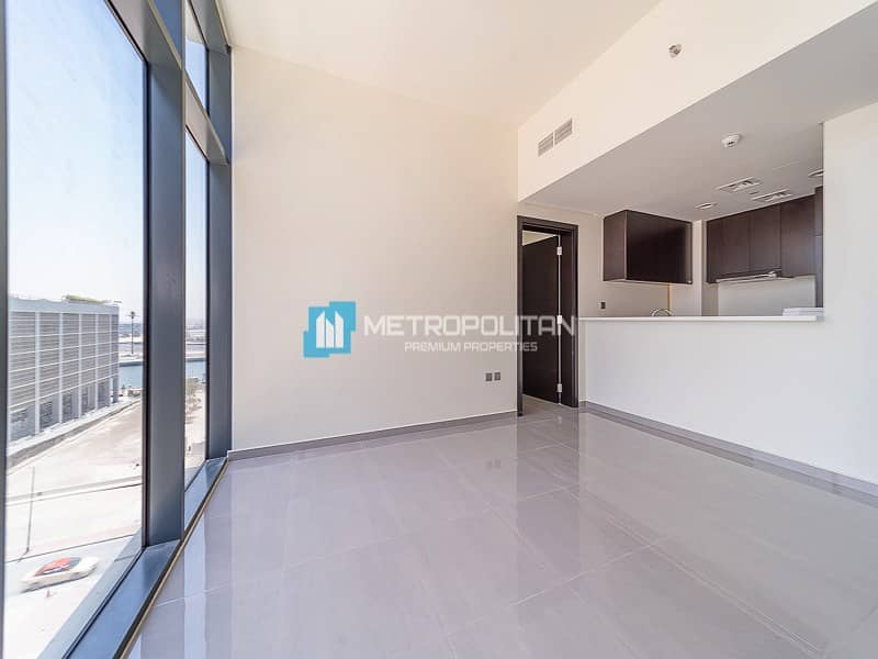 2 Modern Finish/ Spacious 2Bed /Brand New Handover