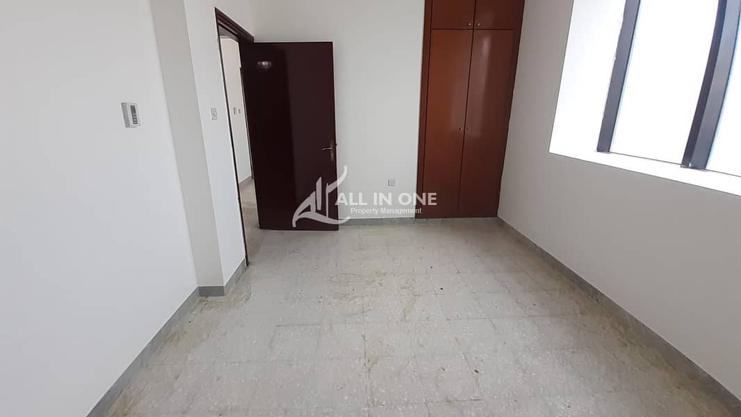 Convenient 1BR with Balcony in 4 Payments!