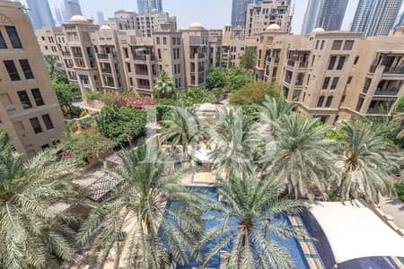 2 Bedroom Flat for Rent in Old Town, Dubai - Burj And Pool View | Well Maintained | Bright Unit