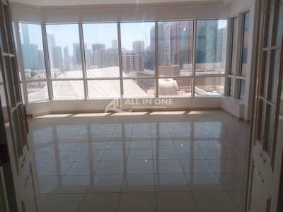 فلیٹ 3 غرف نوم للايجار في الخالدية، أبوظبي - Remarkable 3 Bedroom Duplex+ Maids Room+Gym+Parking!