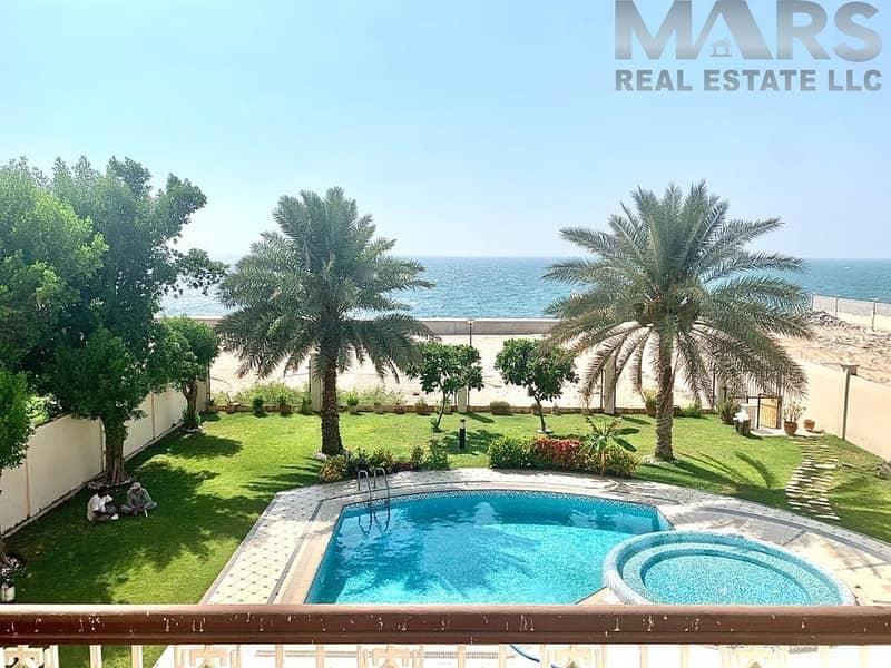 2 Perfect Stunning and Luxurious Villa