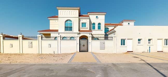 فیلا 4 غرف نوم للايجار في جبل علي، دبي - Downstairs bedroom | Landscaped garden | Rent online