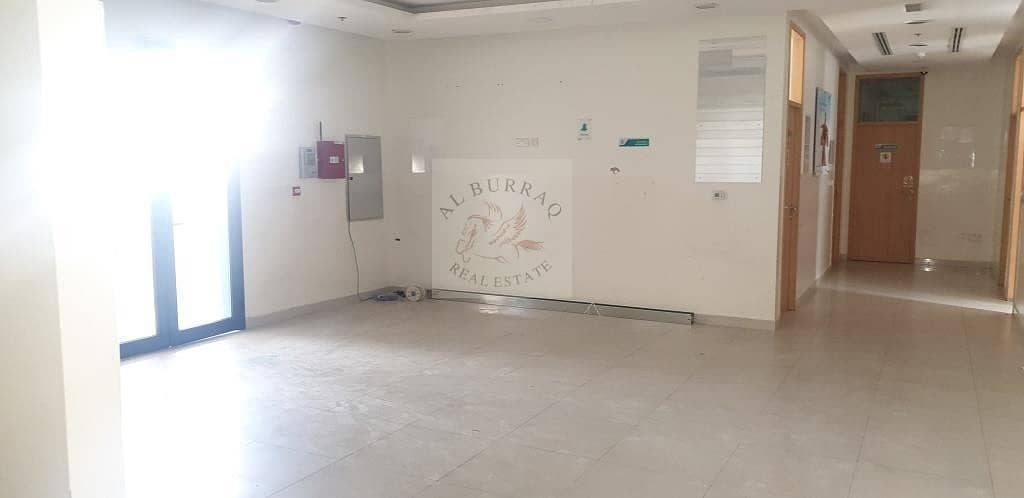 Ready Clinic For rent in Muhaisnah Mall