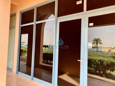 محل تجاري  للايجار في المدينة العالمية، دبي - Front View