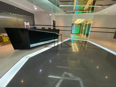 فلیٹ 3 غرف نوم للايجار في شارع المطار، أبوظبي - شقة في برج إمي ستايت الجديد شارع المطار 3 غرف 165000 درهم - 4667037