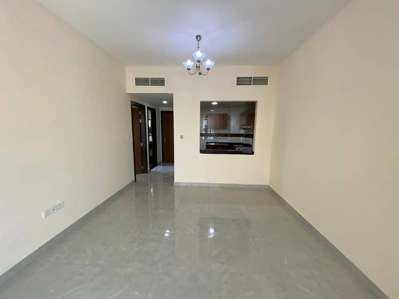 -08     60 DAYS FREE  CLOSED  KITCHEN LARGE 1 BEDROOM WITH BALCONY FOR RENT IN PHASE