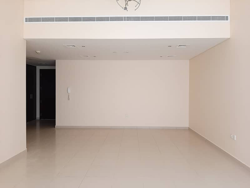 Chiller Free Very Huge 1bhk 1200 Sq-ft Rent Only 41k Like a New building