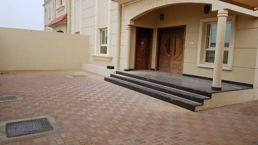 4 Bedroom Villa for Rent in Hoshi, Sharjah - *** Grand Deal – Luxury 4BHK duplex Villa with maids room available in Al Hooshi area, Sharjah