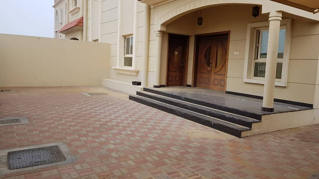 *** Amazing Deal – Luxury 4BHK Duplex Villa with maids room available in Al Hooshi, Sharjah