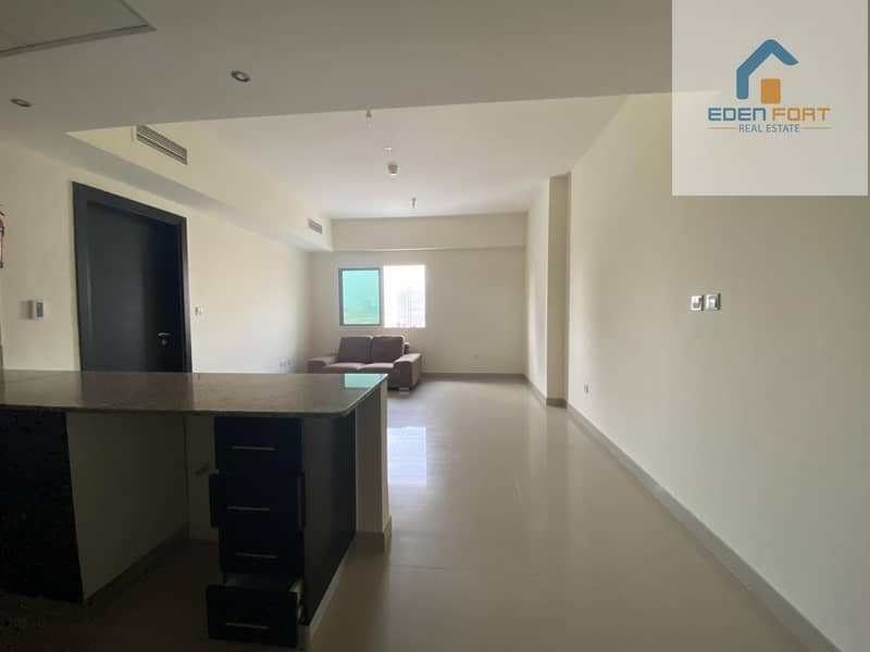 2 READY TO MOVE UN-FURNISHED 1BHK ON HIGH FLOOR