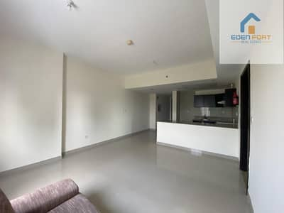 READY TO MOVE UN-FURNISHED 1BHK ON HIGH FLOOR