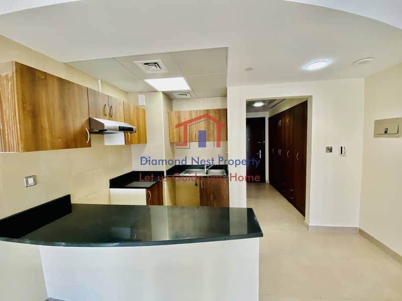 2 Prime Studio with Facilities and Balcony