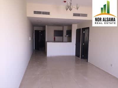 شقة 1 غرفة نوم للايجار في ليوان، دبي - LARGE 1 bedroom Upper Floor Balcony Store  2 Baths in Queue Point
