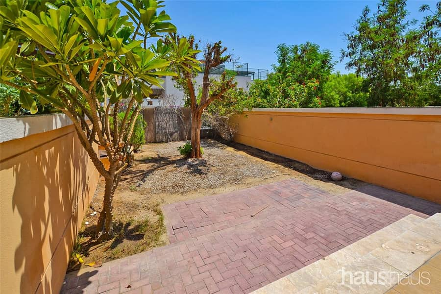 Available Now | One Bed | Rear Garden