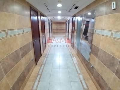 شقة 1 غرفة نوم للايجار في شارع المطار، أبوظبي - Spacious 1 Bedroom Apartment With Excellent finishing on Airport Road 50
