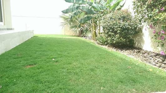 Very nice 3 bedroom plus maid villa with pvt garden  in Jumeirah 2