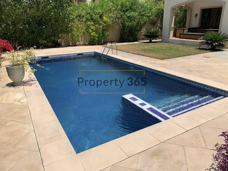 15 Stunning 4BR Villa in Murcia with Golf Course View