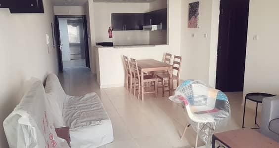 شقة 2 غرفة نوم للايجار في ليوان، دبي - شقة في برج فرح 1 كيو بوينت ليوان 2 غرف 40000 درهم - 4668566