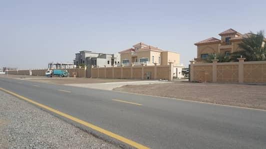ارض تجارية  للبيع في المنامة، عجمان - ارض تجارية  بالمنامة 11 مقابل الفلل عالشارع القار