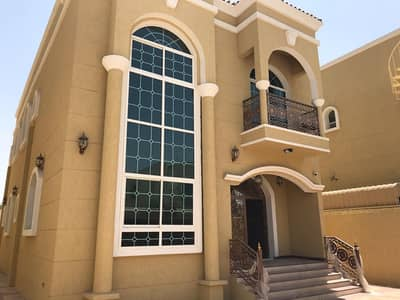 For sale excellent finishing villa and high quality decorations