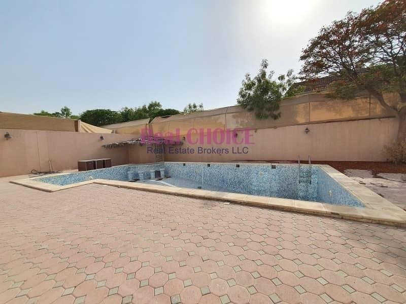 10 Independent Villa With 5 Big Bedrooms | Vacant