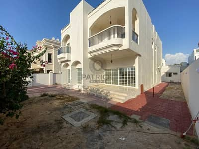 VERY BRIGHT 5BR MAIDS DRIVER INDEPENDENT VILLA IN JUMEIRAH 2