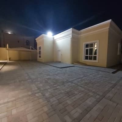 3 Bedroom Townhouse for Rent in Al Shamkha, Abu Dhabi - (Town House) Mulhaq 3 Bedroom Hall with Covered Parking in Al Shamkha