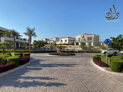 5 Bedroom Villa for Sale in Jumeirah Golf Estate, Dubai - Own your independent ready to move villa in Jumeirah Golf Estate