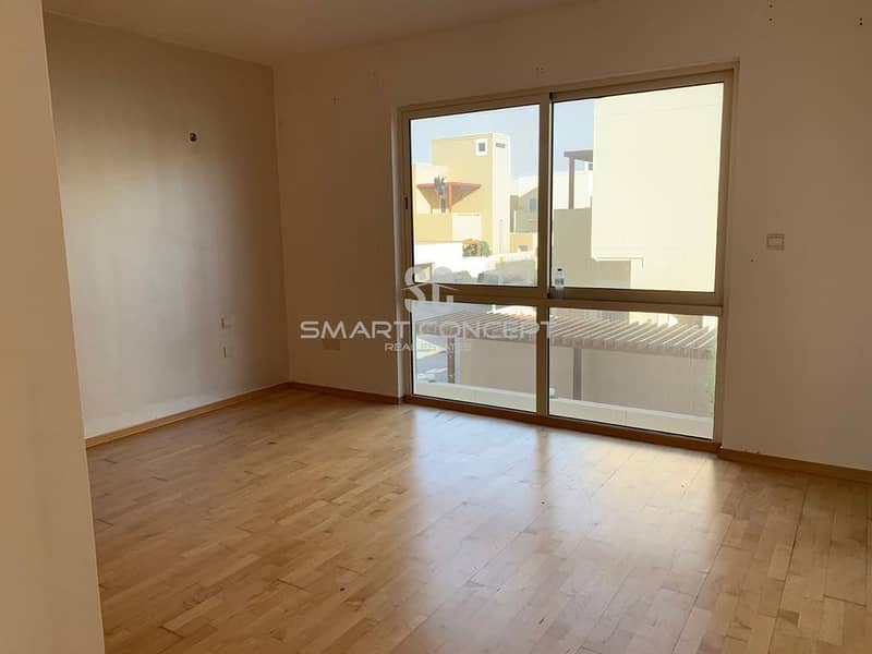 2 Hot Deal Spacious Areas  With Swimming Pool