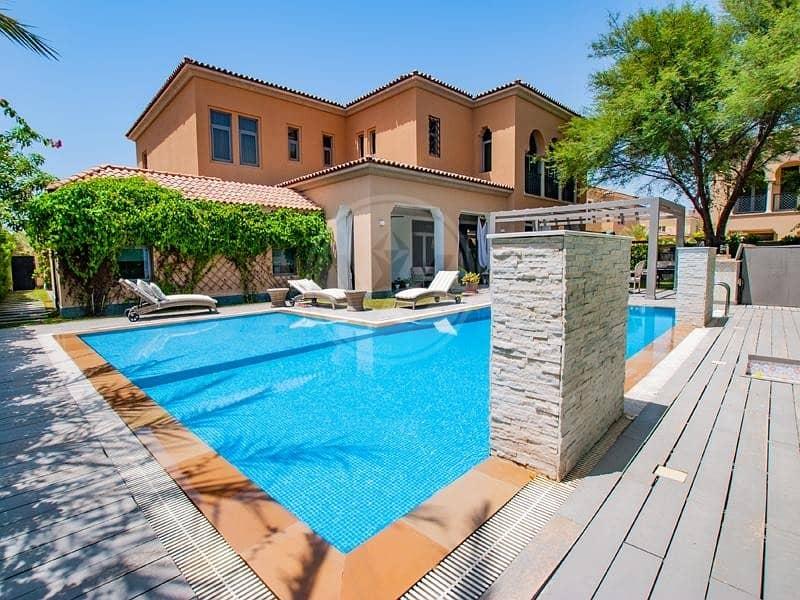 Executive villa with spectacular garden