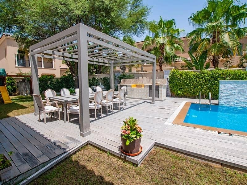 2 Executive villa with spectacular garden