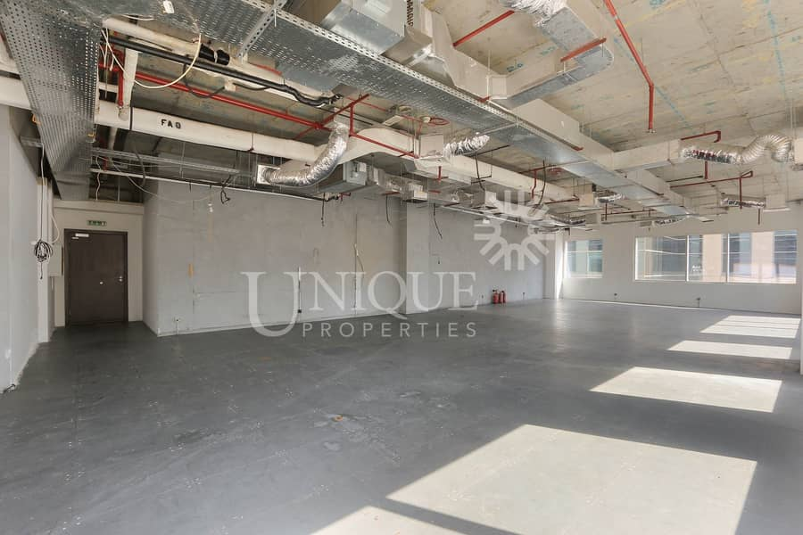Exclusive office with huge terrace