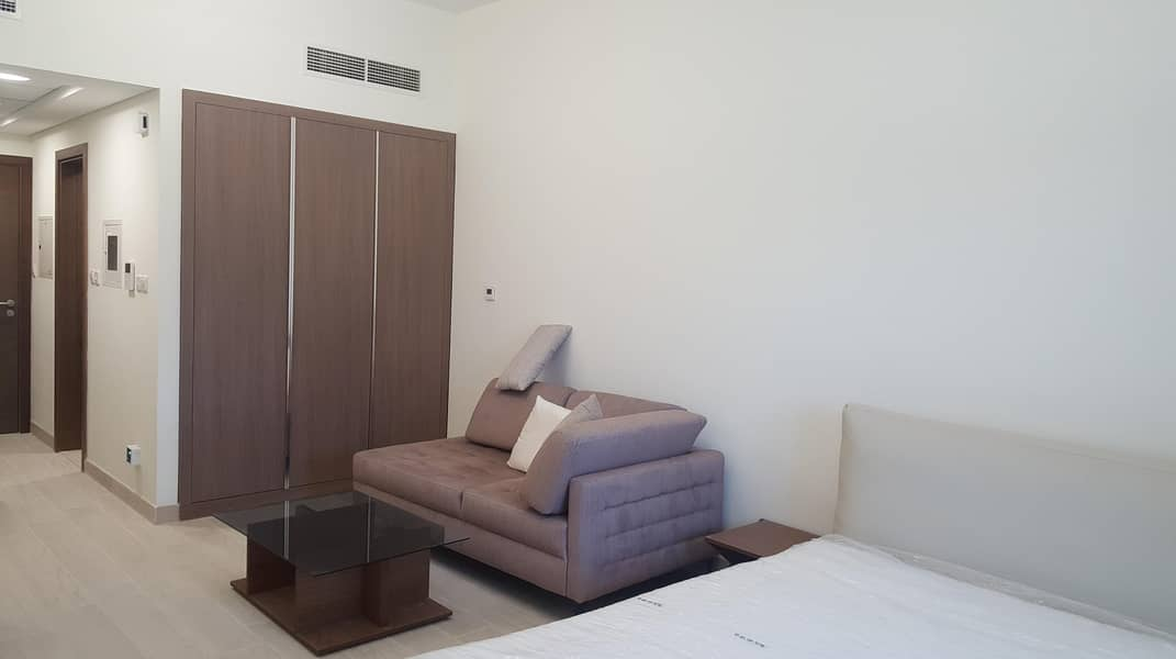 10 Furnished | Al Wasl View | With Balcony |