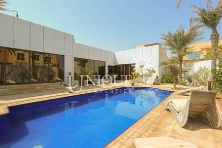 Prime Location   Close To Beach   Vacant Villa