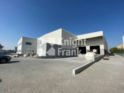 Warehouse for Sale in Jebel Ali, Dubai - New warehouse in JAFZA high eaves 350kW
