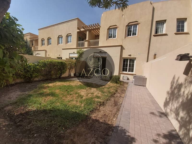 11 WELL MAINTAINED VILLA   2 PARKING I CALL NOW