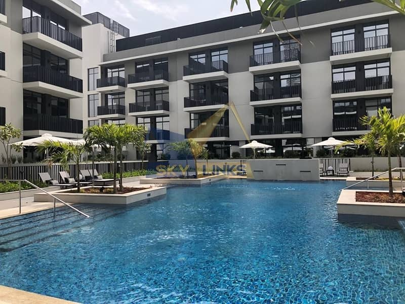 Bright with Pool View 1 Bedroom Apartment