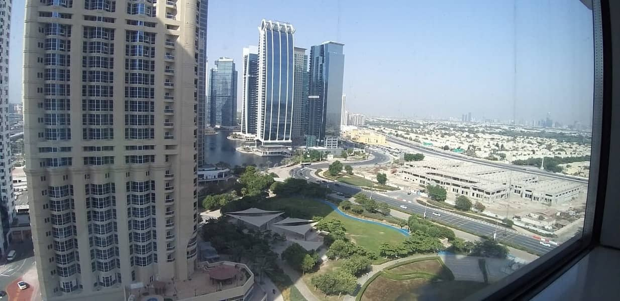 Spacious 3BR Apt in Armada Tower