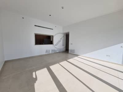 2 Bedroom Flat for Sale in The Hills, Dubai - Great Location