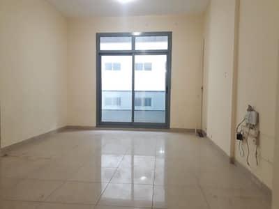 شقة في النهدة 2 النهدة 2 غرف 38000 درهم - 4649410