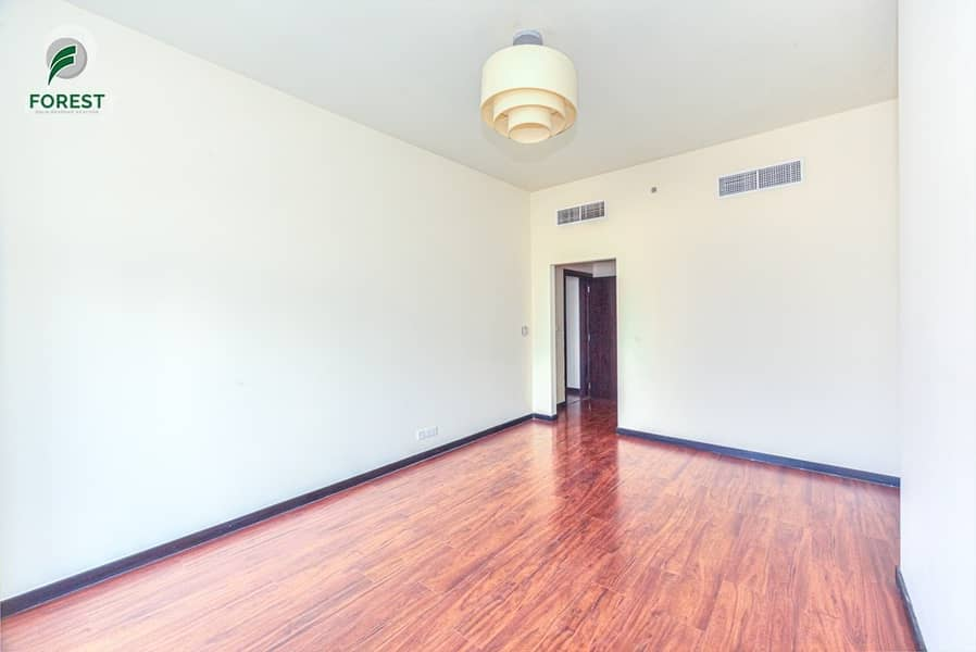 2 Amazing Unit |Lake View| 2 Beds | Ready To Move In