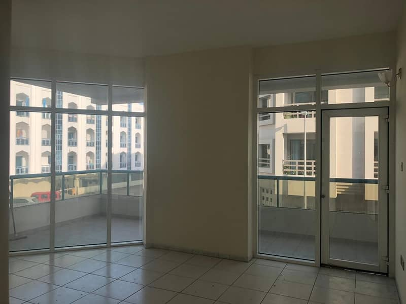 ELEGANTLY DESIGNED APARTMENT LOCATED IN BUR DUBAI AT 105 K