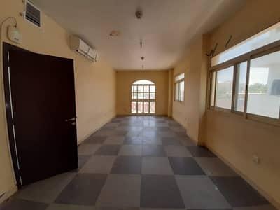 Labour Camp for Rent in Al Quoz, Dubai - Cheapest price in Al Quoz at 250 Per person