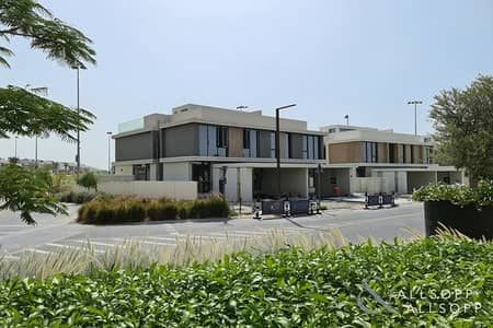 فیلا 4 غرف نوم للبيع في دبي هيلز استيت، دبي - Upgraded Club Villa | Corner Plot | 4 Beds